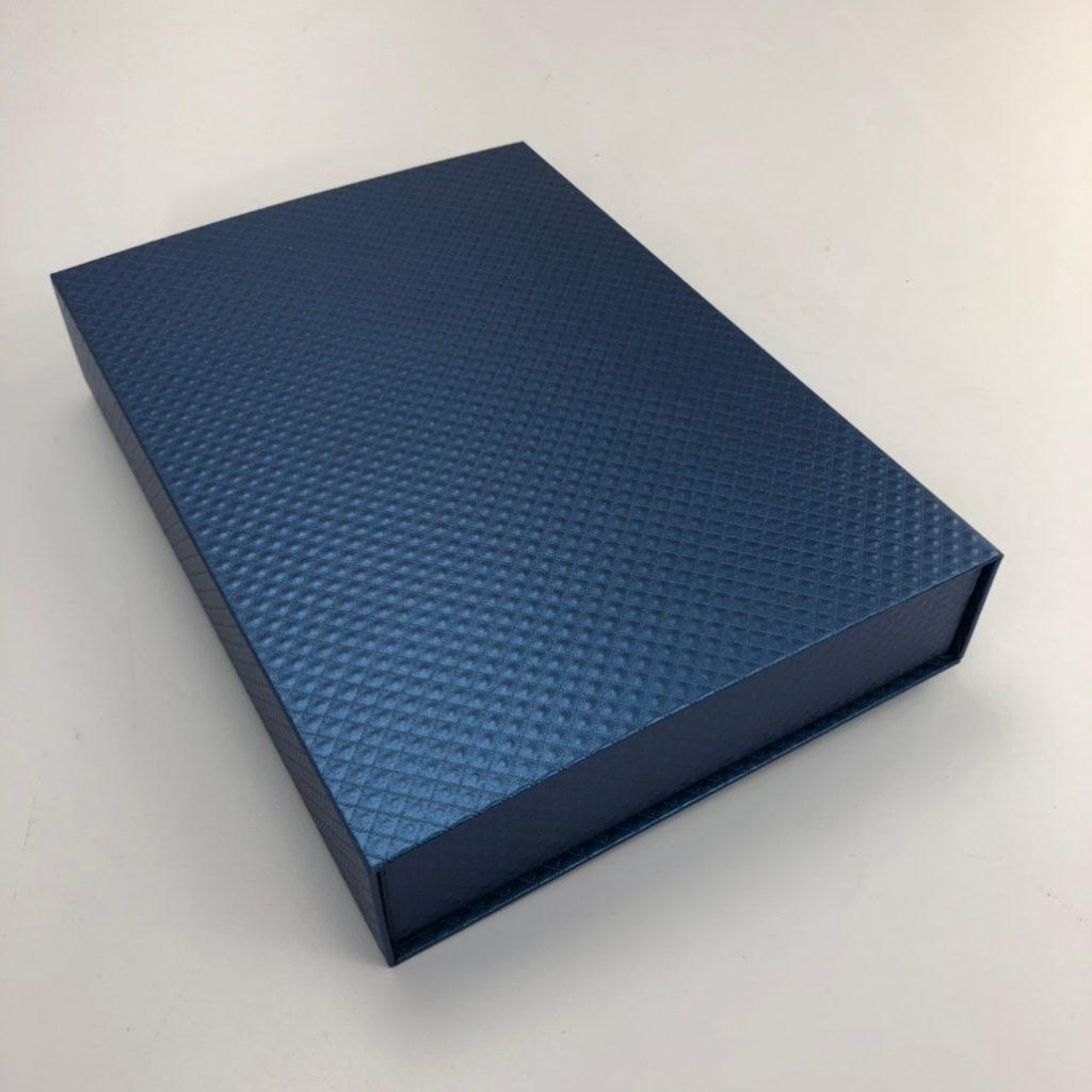 精裝書型盒 外貼美術紙張的效果