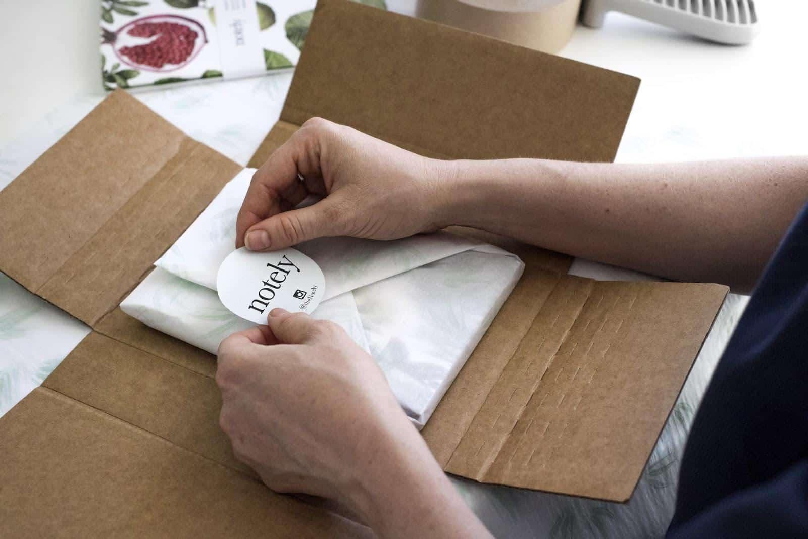 printingnews-A023-07 paperbox好文分享-定製貼紙的七大設計技巧